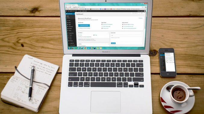 PC mit den besten Wordpress Plugins aus 2019